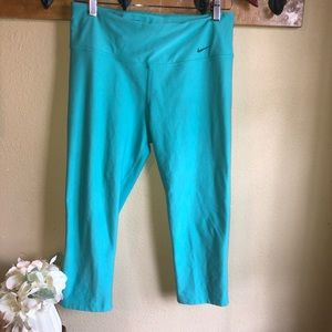 Nike Dri fit cropped leggings size Medium